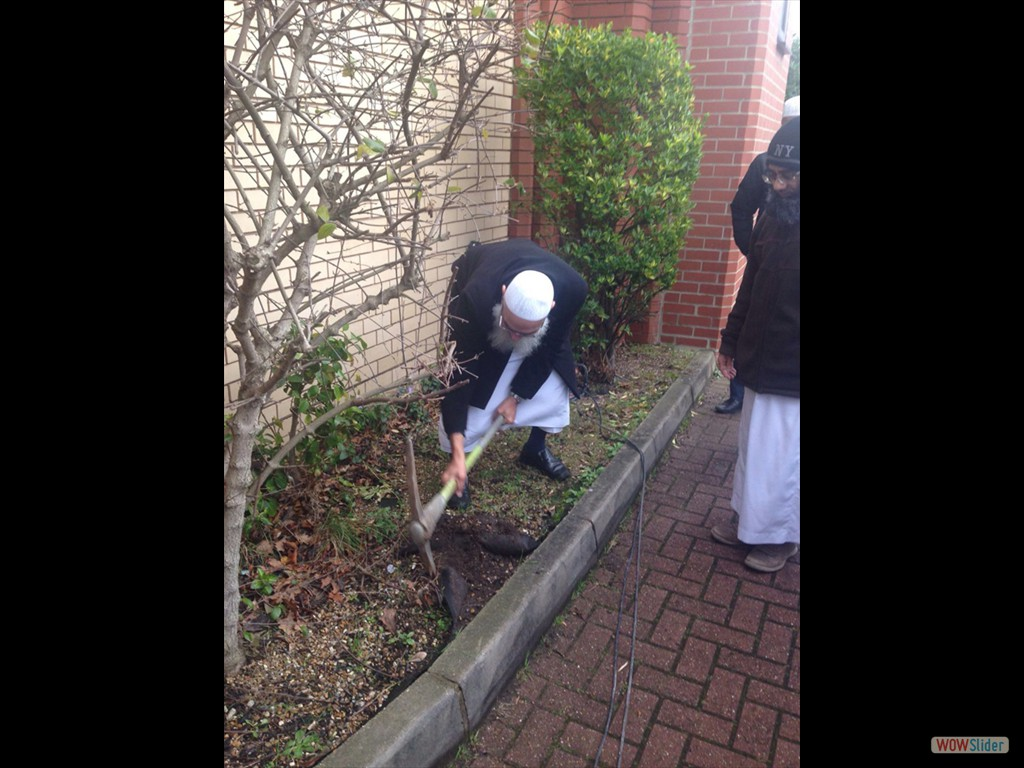 23/01/16 Breaking of ground by Masjid patrons
