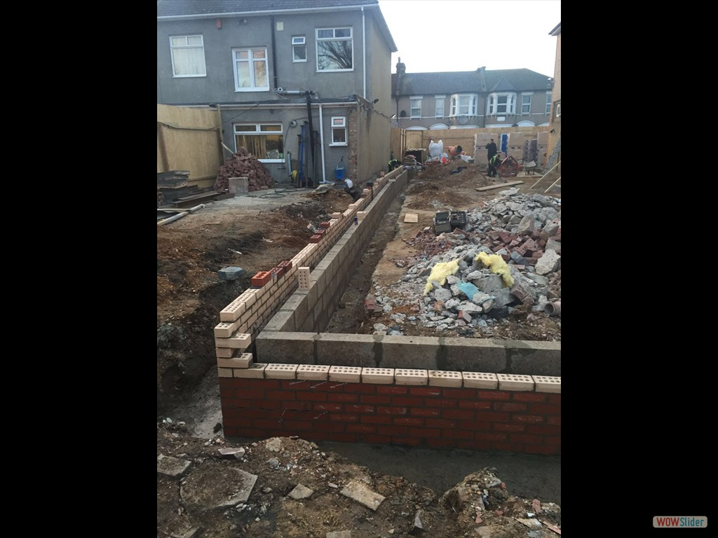 08/03/16 External brick work