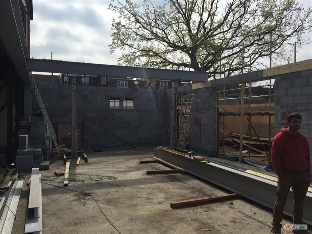 12/04/16 External steel / brick work